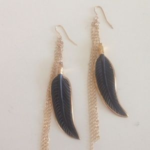Heather Gardner Jewelry - Heather Gardner Feather and Chain Earrings. NWOT