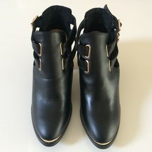 JustFab Shoes - JustFab Black Booties