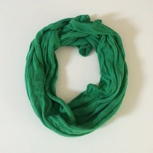 BCBGMaxAzria Accessories - BCBG Hunter Green Scarf