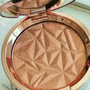 Other - Becca Shimmering Skin perfector Blushed copper