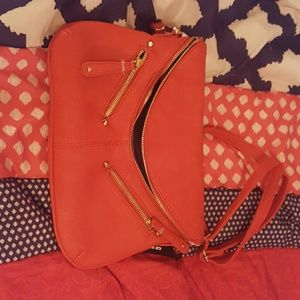 Oragne/red clutch