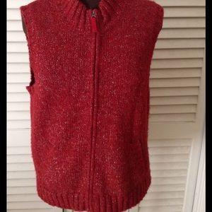 Orvis Sweaters - ❄️Nice zip up sweater vest.