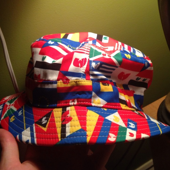 ec97812bca4 Wutang bucket hat. M 55c00f8bb909cf1a7f01b7be