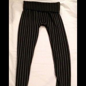 Black and grey pin stripped leggings