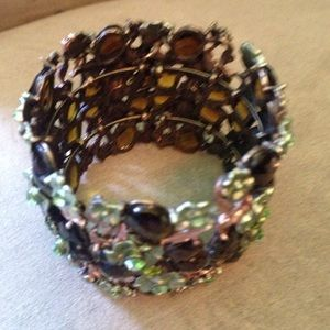 Jewelry - Beautiful Floral Cuff Bracelet