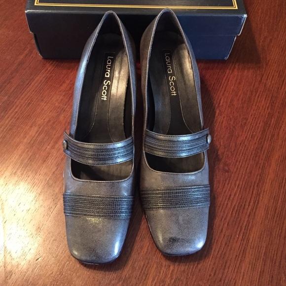 66 off laura scott shoes sz 8 laura scott mid grey. Black Bedroom Furniture Sets. Home Design Ideas