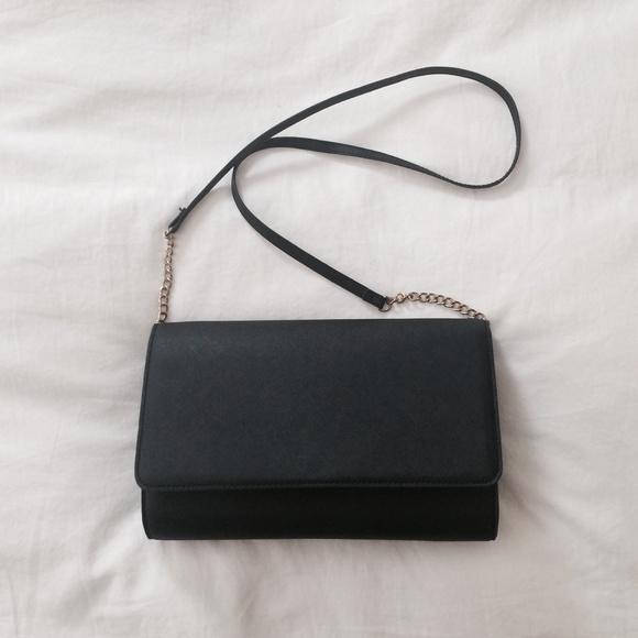 8f23556d66f3 H&M Black Gold Strap Shoulder Bag Purse