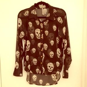 Tops - 💀Sheer skull print blouse💀