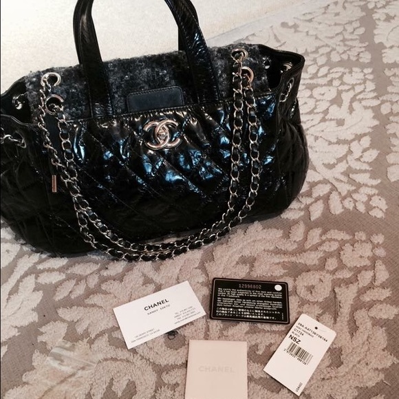 Chanel portobello tweed and leather bag bd5d3cc4b6e02