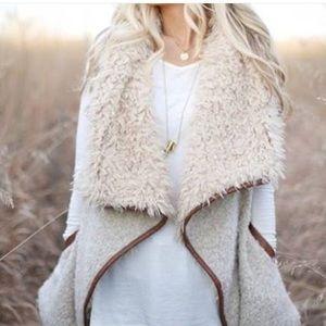 Outerwear - Fur vest
