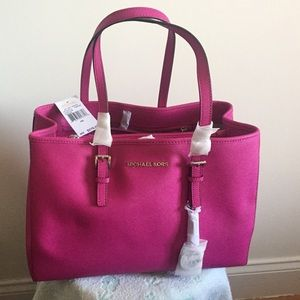 907e1ac9e5e1 Michael Kors Bags - Fuschia - Jet Set Travel Saffiano Leather Tote