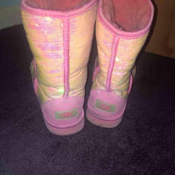 Pink sequin uggs!<3