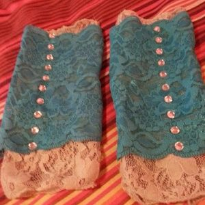 Accessories - Small grey and blue bejewelled gloves