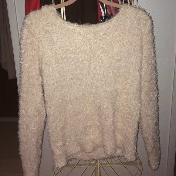 25% off H&M Sweaters - light pink fuzzy sweater from Nikki's ...