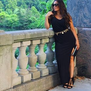 Black sundress w/ slit
