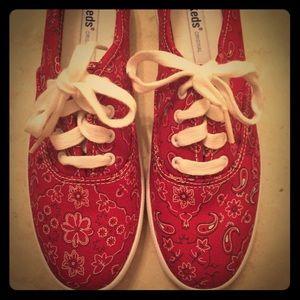 8d52ee551e8ce keds Shoes - NIB Keds Champion Red Bandana Print Shoes. Size 6
