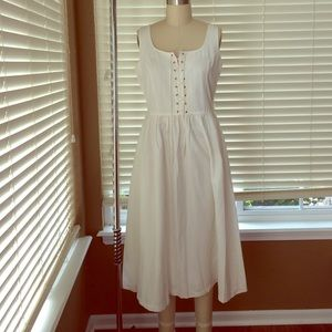 Dresses & Skirts - Vintage white lace up dress