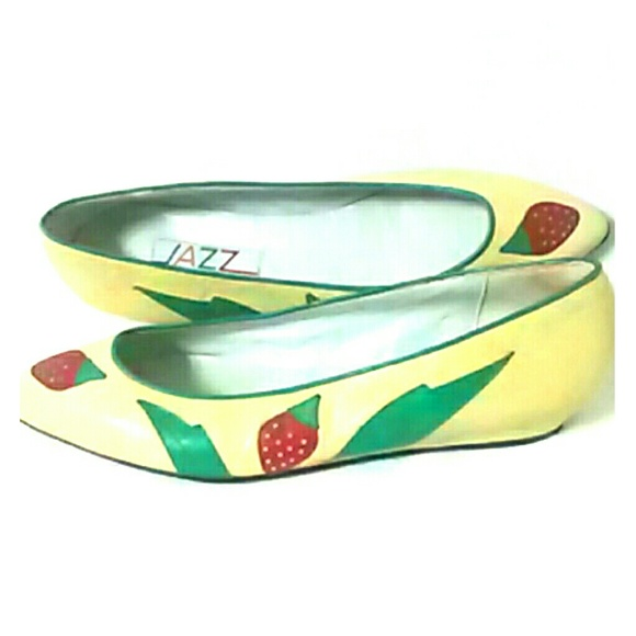 jazz Shoes - Flat Shoes with Strawberry Design