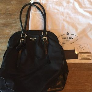 Prada Tote-nylon/leather