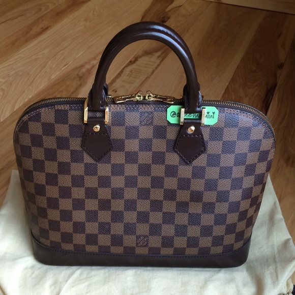 a0ac7e186fba Louis Vuitton Handbags - Authentic Louis Vuitton Alma PM Damier Ebene Bag