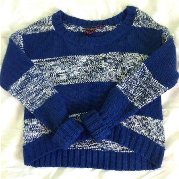 Take Out Sweaters - Cropped Stripe Sweater💙