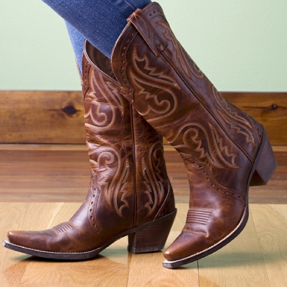 e4ad86976d1 Ariat Boots - Ariat women s heritage western brown cowboy boots