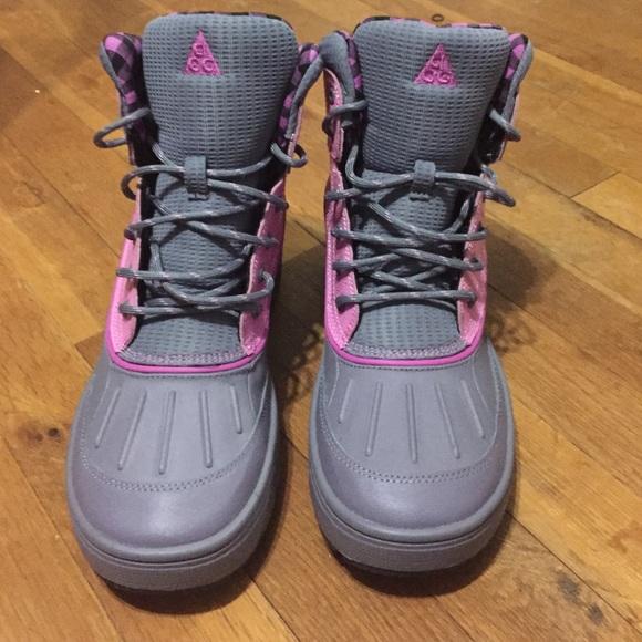 ... ACG Girls Boots. M 55c42f88986c4253b6004c07 0861a3483