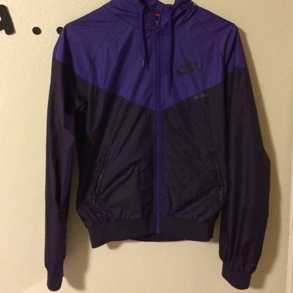 Purple Nike windbreaker. M 55c468be2784930e65005547 ca0bd99d7