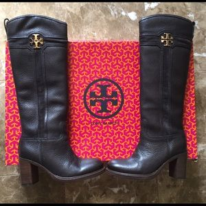 Authentic Tory burch size 6.5 boots