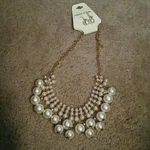 Nwt pearl statement necklace and earrings