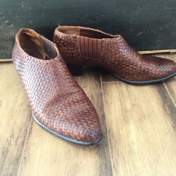 Vintage Cole Haan woven leather bootie
