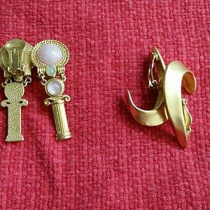 Accessories - 2 pairs of Earrings