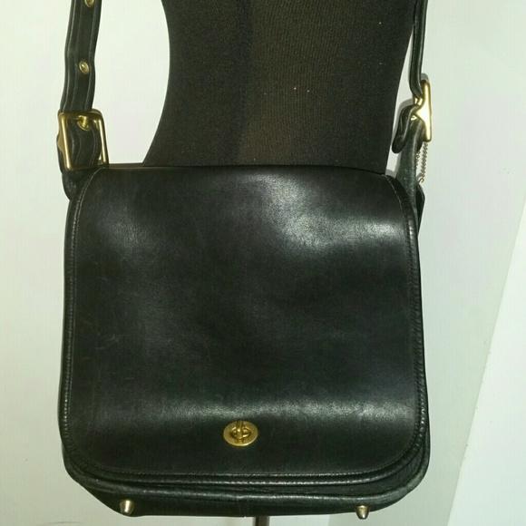 Coach Handbags - VINTAGE COACH STEWARDESS BLACK J2P-9525 LEATHER a2a7ebf5a0