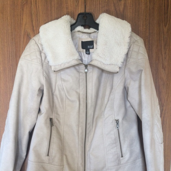 55% off ANA Outerwear - White Quilted Leather Jacket w/ Fur Accent ... : white quilted leather jacket - Adamdwight.com