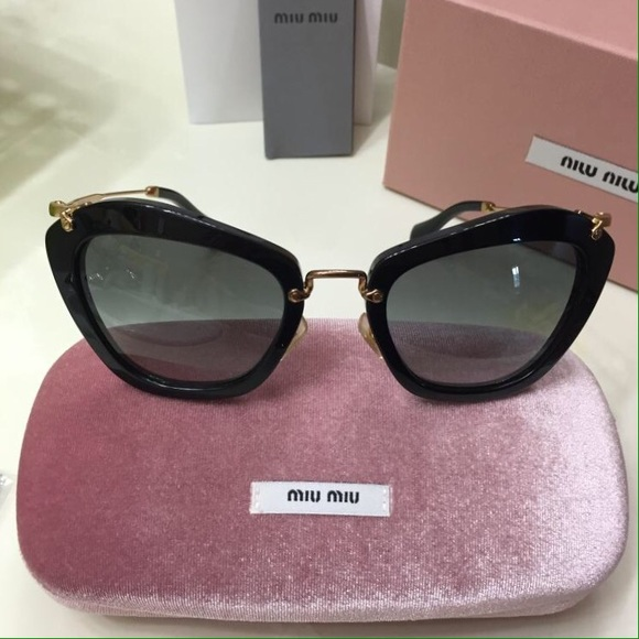 27 off miu miu accessories miu miu sunglasses mu 10n 10ns 1ab1a1 black grey from veblen 39 s. Black Bedroom Furniture Sets. Home Design Ideas