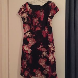 Connected Apparel Dresses & Skirts - Short sleeve Pink Floral dress