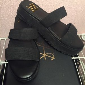 YES Shoes - YES 'Chrissy' Platform Leather Slide Sandals