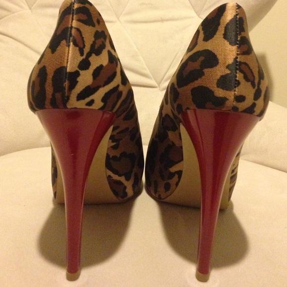 f0cb71a953b New leopard print Guess peep toe w/red patent heel