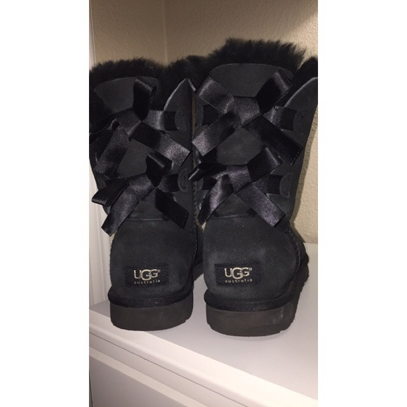 66d1f487b19 Short black ugg boots with bows!