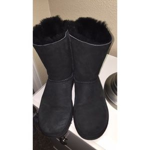 short black uggs with bows