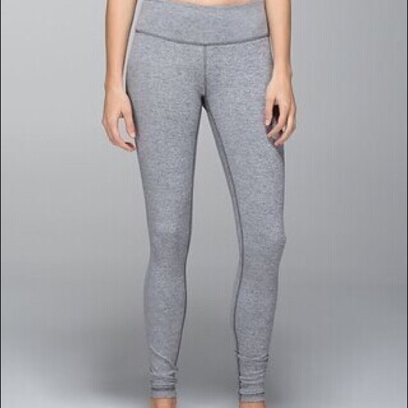 Size women's Small, bought new and never worn. 2XU Womens Mid Rise Compression Tights use a flatter and wider waistband than the standard tight, to give a more streamlined feminine fit.