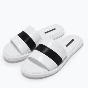 Zara sandals in white  size 8 or 39, new