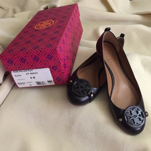 750209360 Authentic Tory Burch Mini Miller Flat black size 6.  M 55c603e88ae33e2b6f003c5d