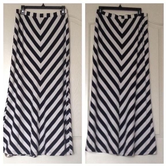 33 dresses skirts navy blue white