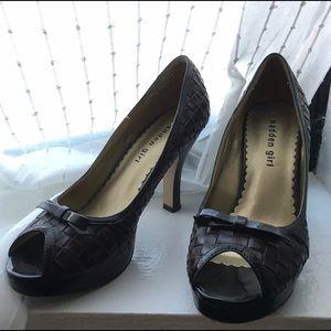 Steve Madden Shoes - Steve Madden girl peep toe croc pumps for office