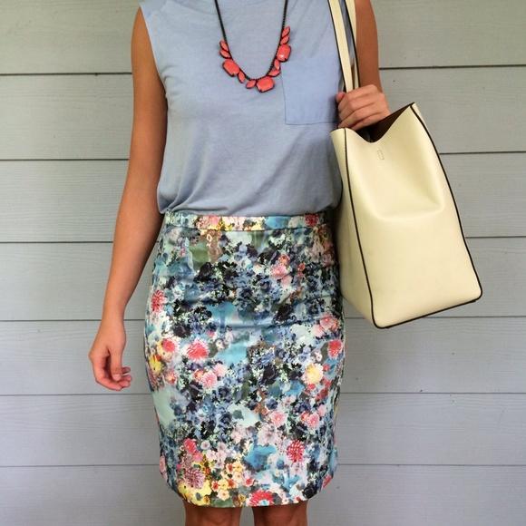 67 h m dresses skirts h m floral pencil skirt