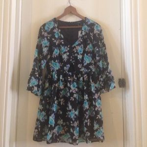 NWT Flirty floral dress with cutout