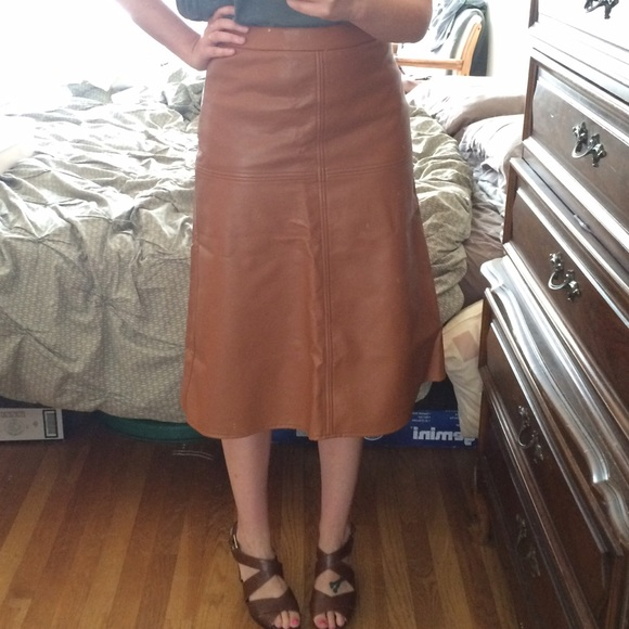 Piperlime Dresses & Skirts - NWT Piperlime Cognac Faux Leather Midi Skirt XS