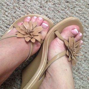 Bakers Shoes - Sweet flowery wedges