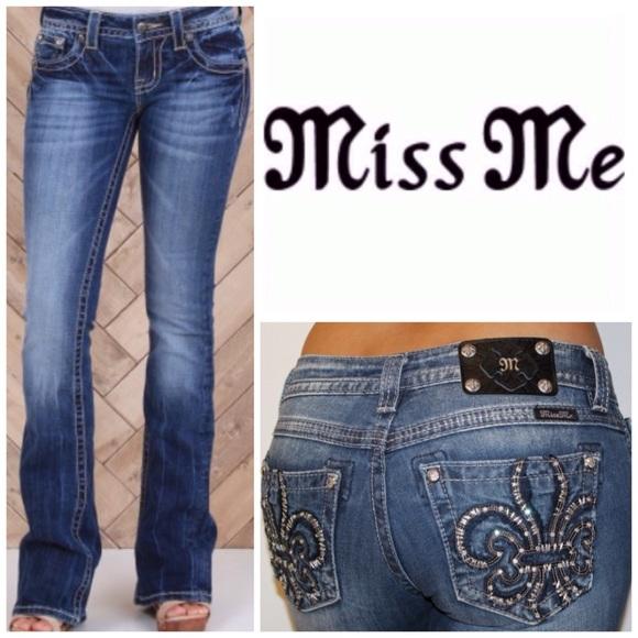 d6f5d1d9eaf Miss Me Fleur de Lis Pocket Boot Cut Jeans. NWT.